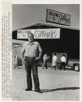 Sherwood Cryer, shown in 1987, stands outside of the club. Photo: Houston Chronicle File