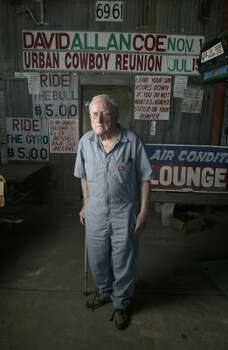 Sherwood Cryer, the former owner of Gilley's, at his original ice house called G's in Deer Park in 2005. Photo: Karen Warren, Houston Chronicle