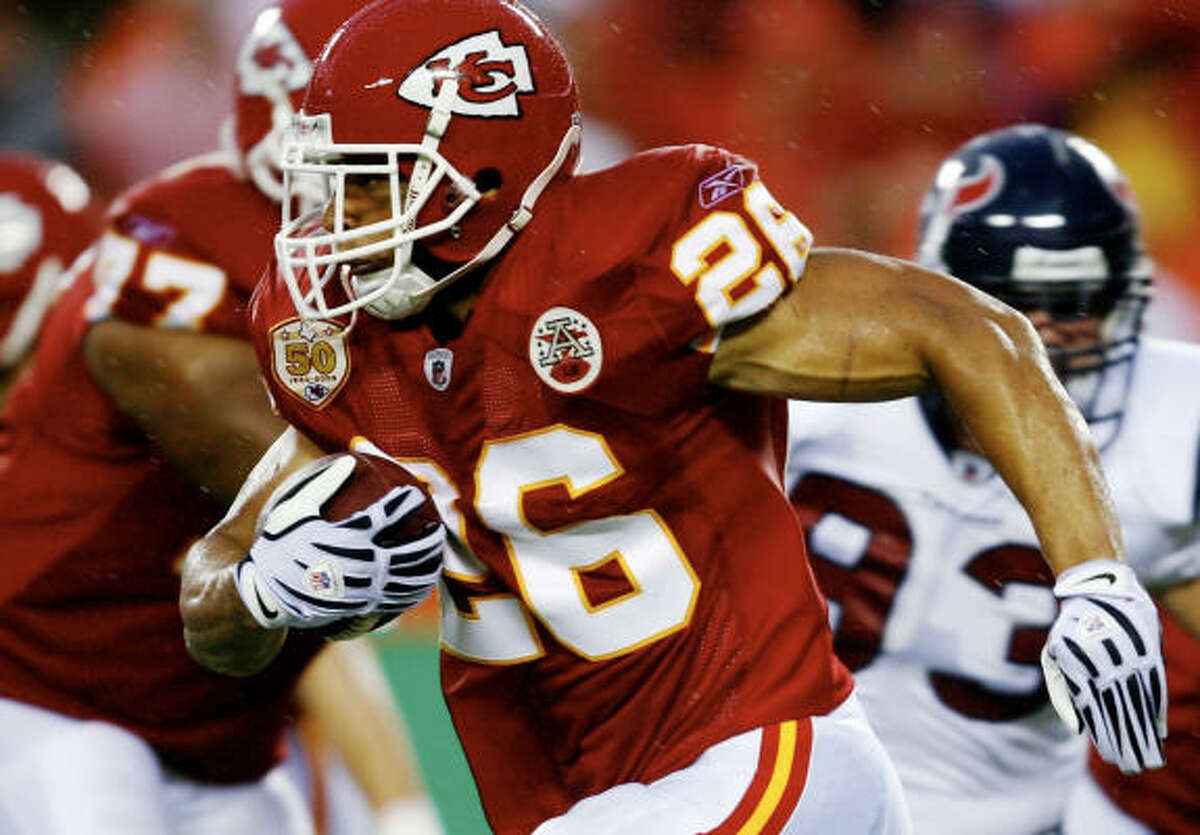 Former University of Houston running back Jackie Battle had five carries for 20 yards.