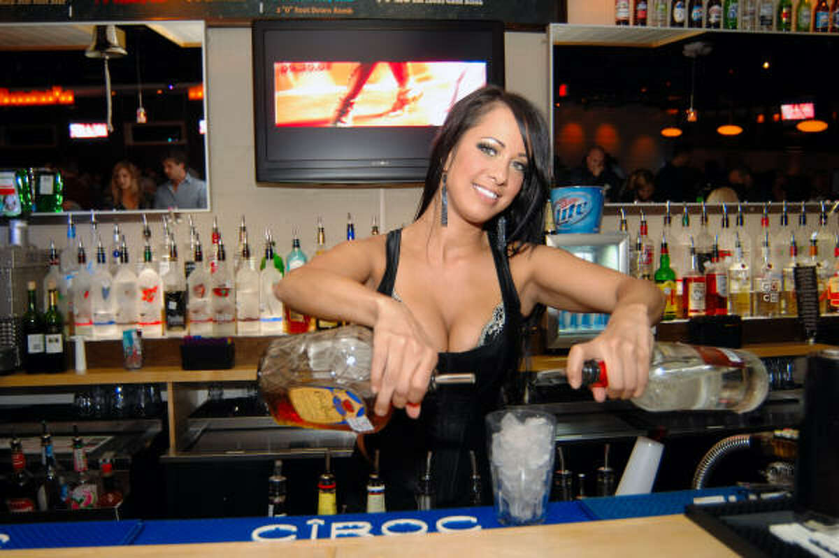 Union Bar & Lounge 2708 Bagby St.