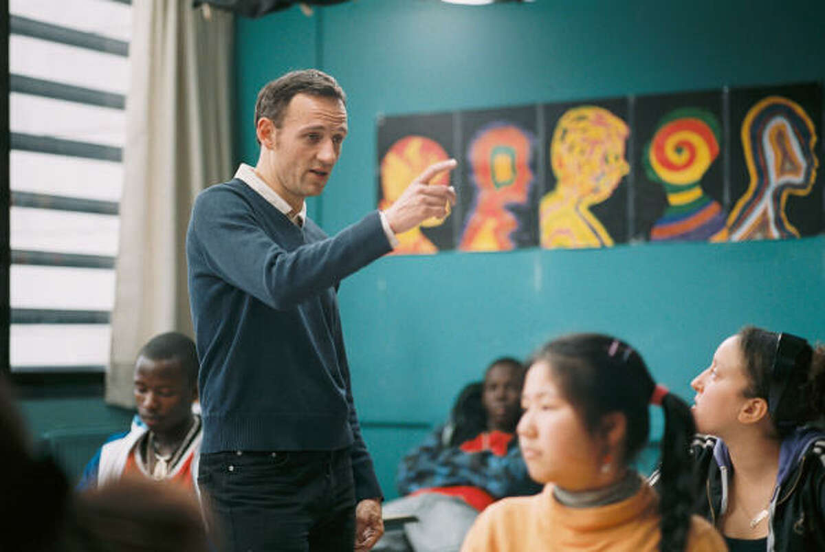 The Class (Entres les murs) : Teacher and novelist François Bégaudeau plays a version of himself as he negotiates a year with his racially mixed students from a tough Parisian neighborhood.