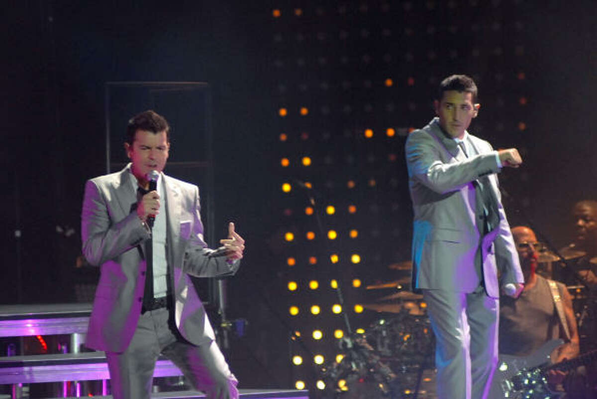 Jordan and Jonathan Knight