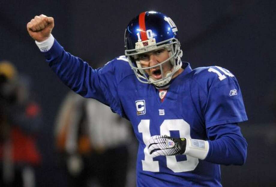 Eli Manning's dealis worth $200,000 more annually than that of Nnamdi Asomugha of the Raiders. Ben Roethlisberger, another Super Bowl winner, was the highest paid in 2008, according to USA Today data. Photo: Henny Ray Abrams, AP