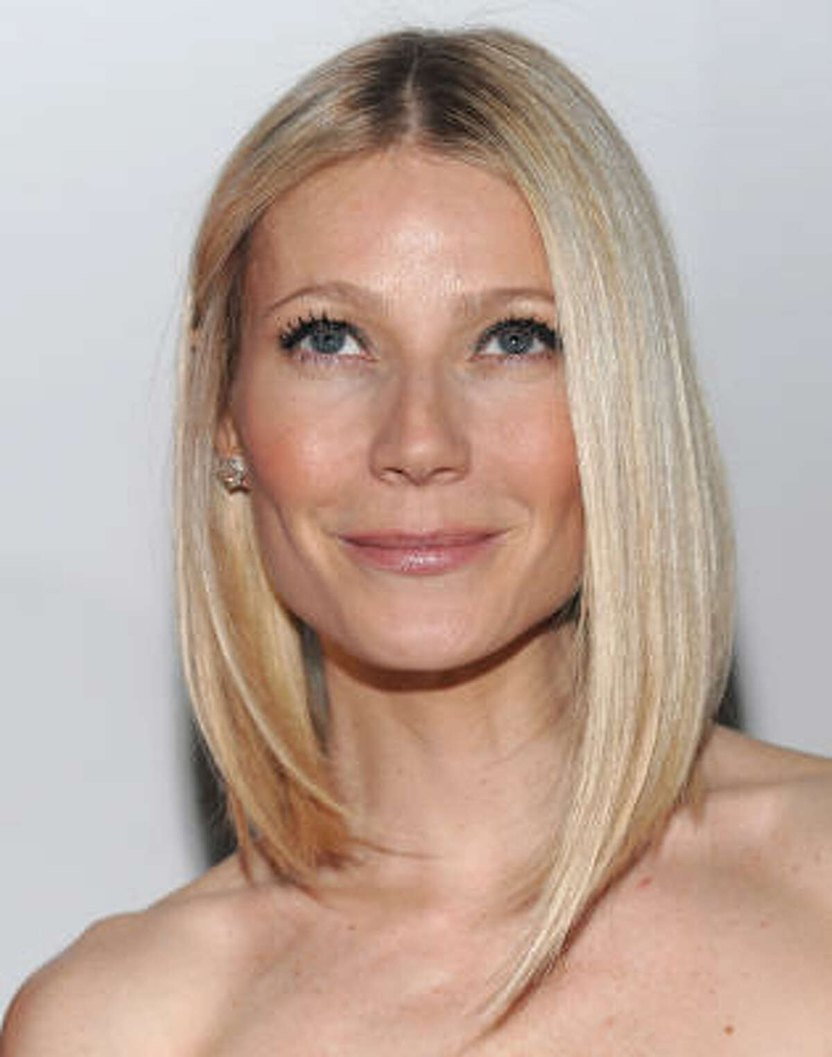 Gwyneth Paltrow's long bob doesn't have as much layering as it's shorter version, so it's easier to maintain.