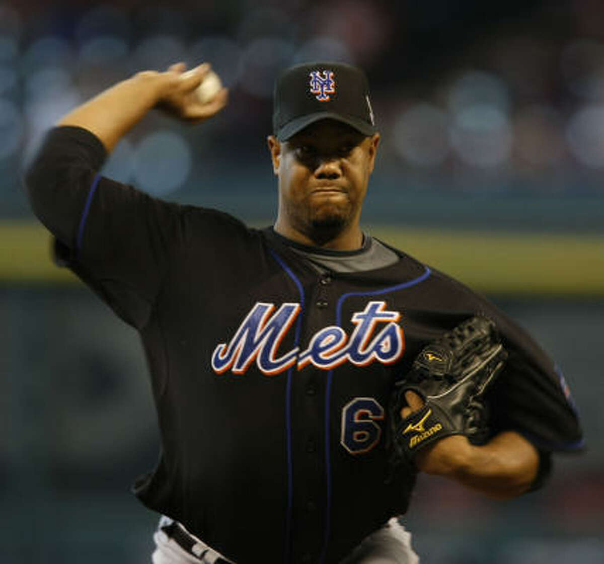 New York Mets starting pitcher Livan Hernandez allowed the only runs the Astros scored as he gave up three runs in seven innings.