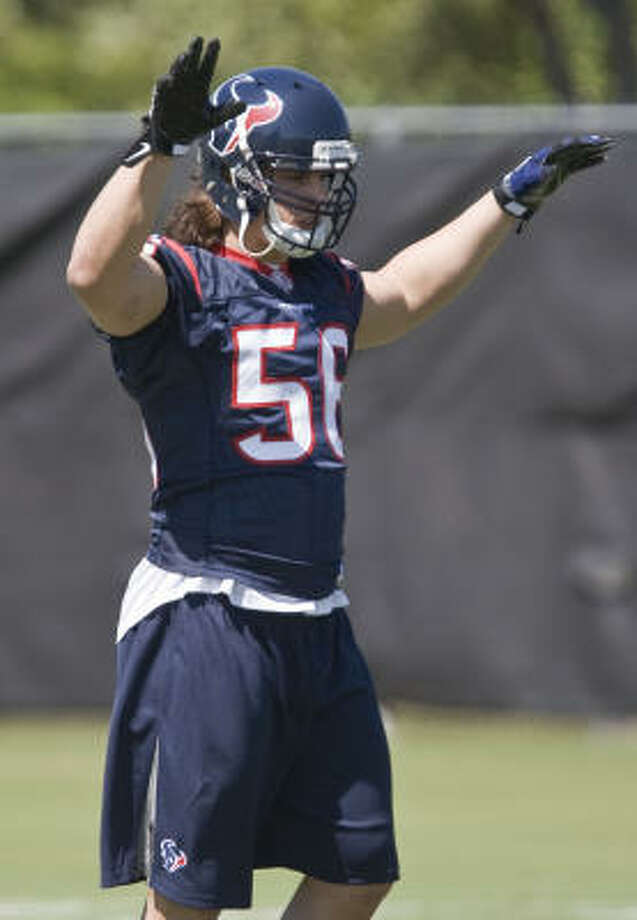 Rookie under pressure:Brian Cushing, outside linebackerThe first-round pick, 15th overall, was inserted as a starter on the strong side as soon as he reported. He's active, aggressive and has a mean streak. Photo: James Nielsen, Chronicle
