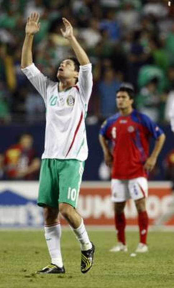 Mexico's Guillermo Franco (10) celebrates his goal during the second half . Photo: Nam Y. Huh, AP