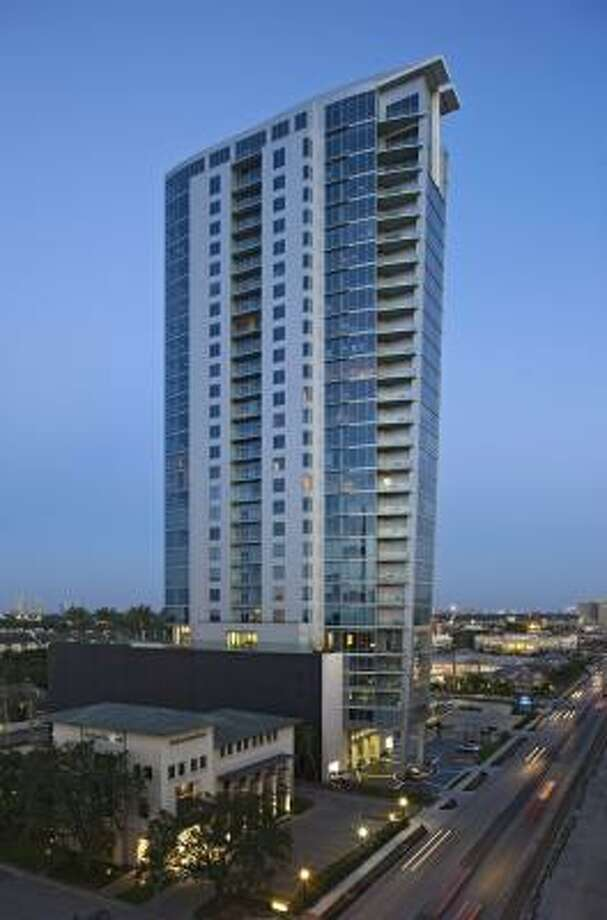 2727 Kirby is a modern, 30-story condominium with more than six dozen units.. Photo: Ziegler Cooper Architects