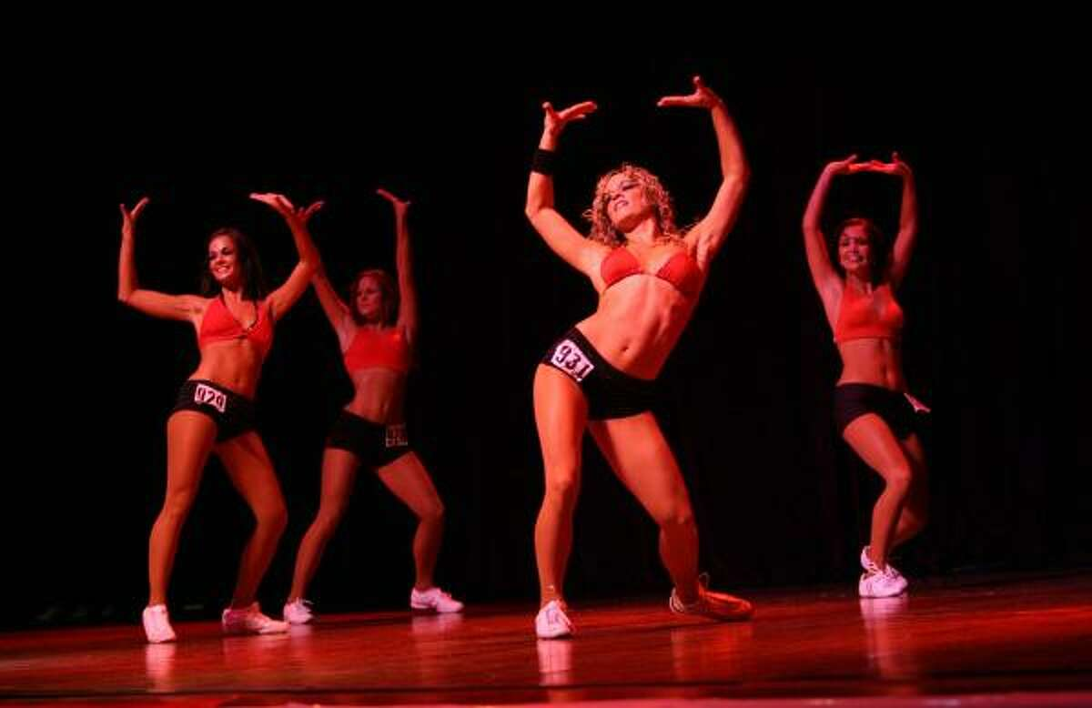 Shelly Shepherd (center) dances during the final auditions at the House of Blues.