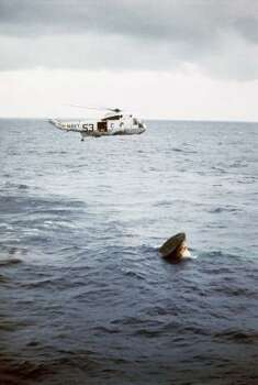 Apollo 11 slashdown in the Pacific, July 24, 1969. Photo: ASSOCIATED PRESS