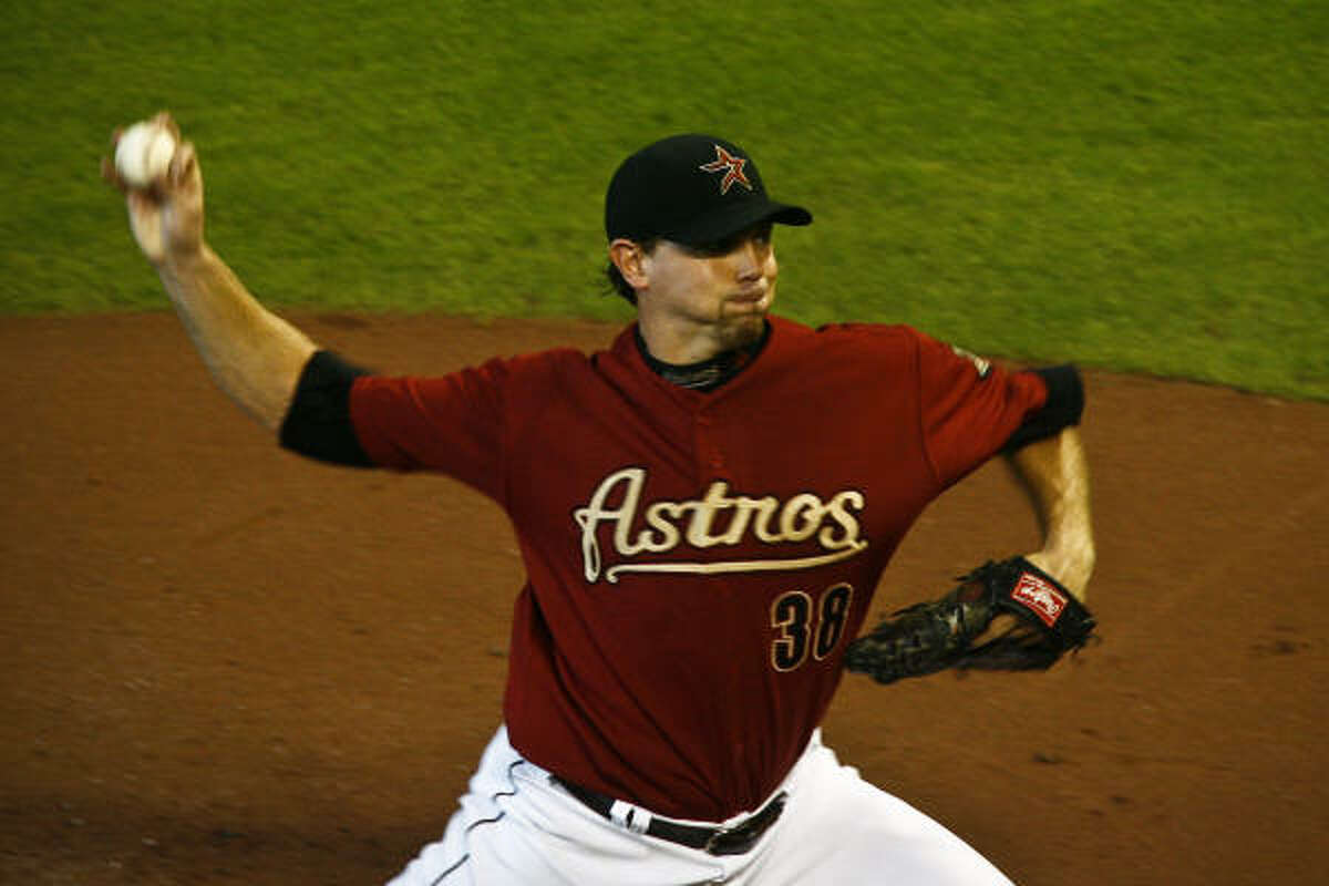 Brian Moehler pitched 6 1/3 shutout innings, giving way to Alberto Arias and Jose Valverde in the Astros' victory.