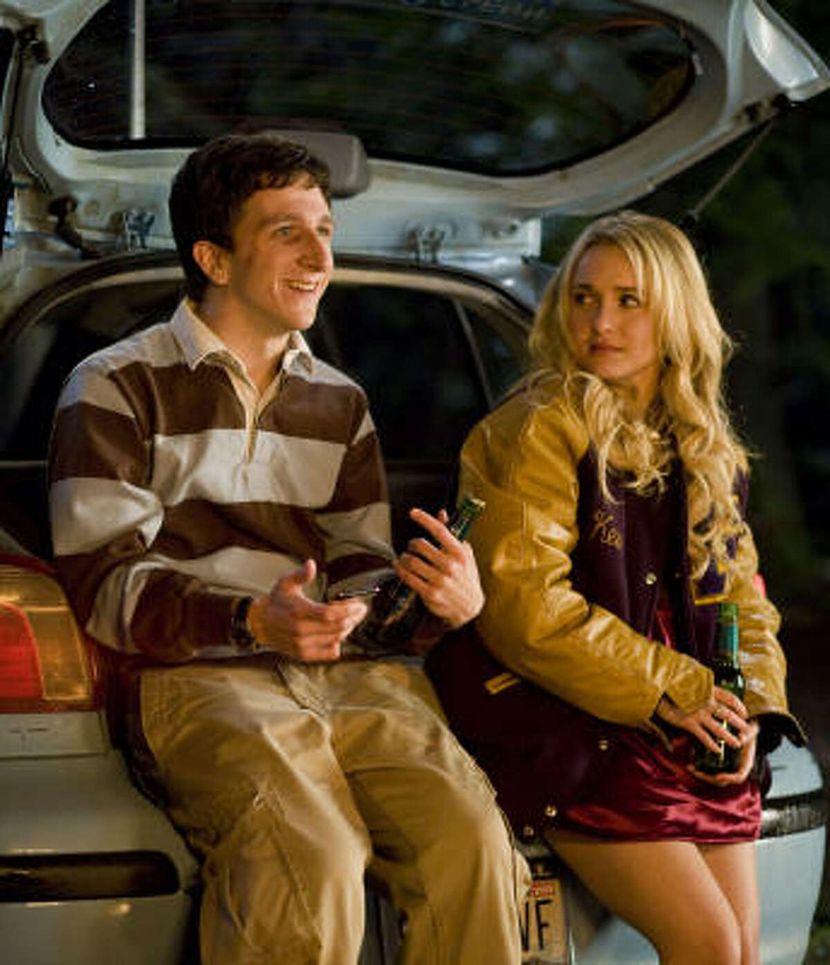 Denis Cooverman (Paul Rust) and Hayden Panettiere (Beth Cooper) make an unexpected connection during an eventful night.