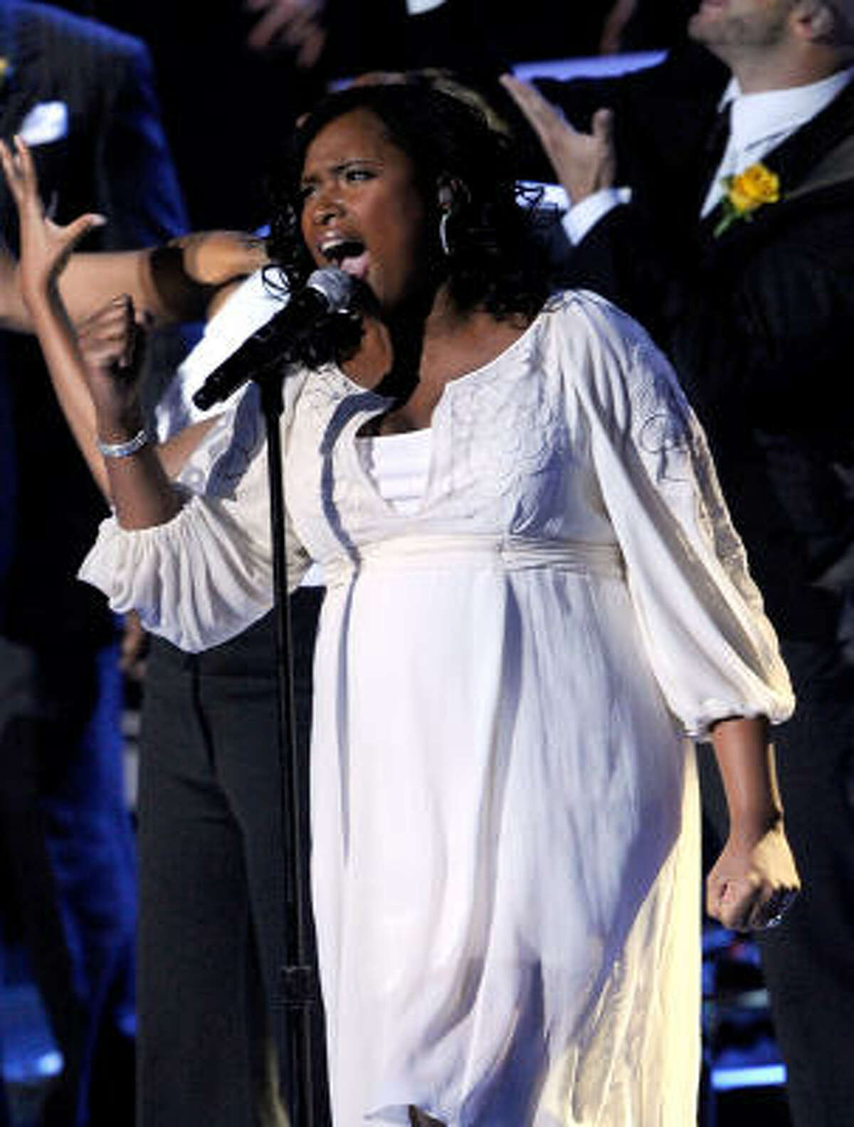 Singer Jennifer Hudson performs at the Michael Jackson public memorial service.