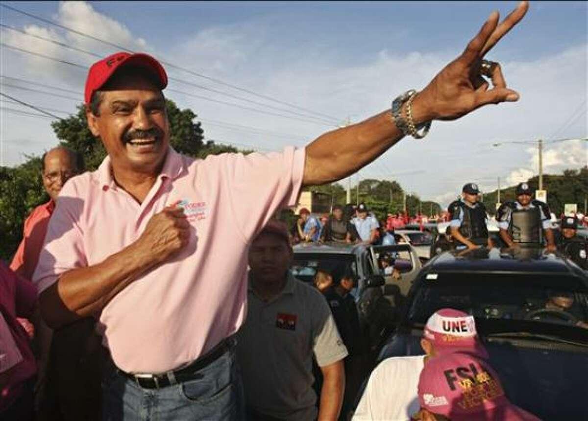 Argüello peleó por última vez en 1995 y se retiró del cuadrilátero con récord de 82-8, con 65 triunfos por la vía rápida. Después pasó con éxito a la política, donde aprovechó su popularidad.