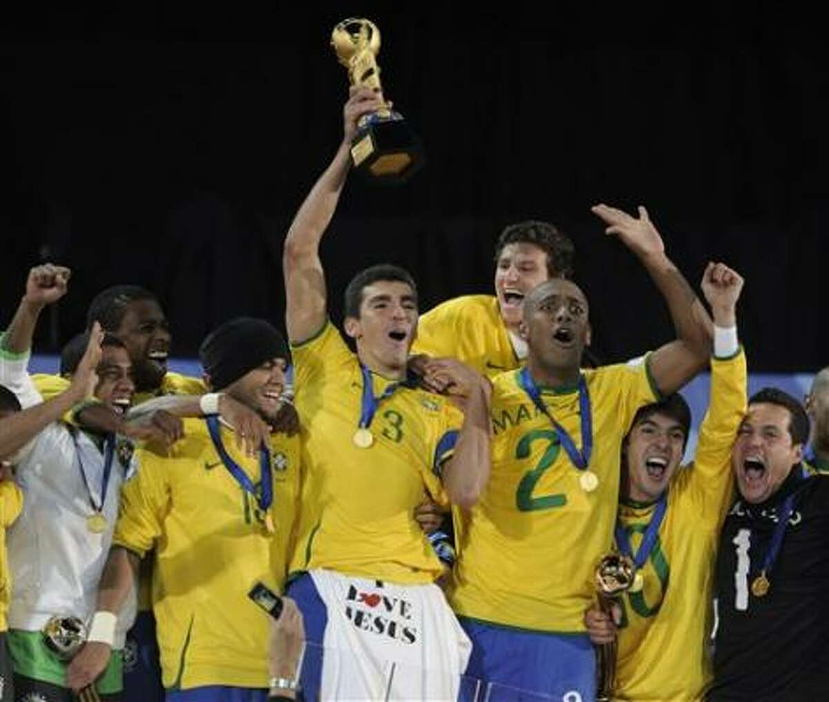 Brazil 3, United States 2 Brazil players celebrate after repeating as Confederations Cup champions.