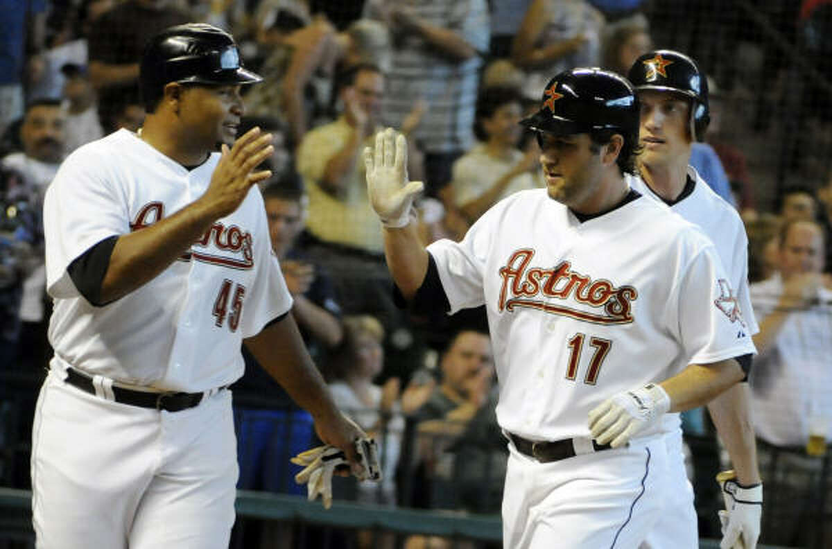 Astros 5, Royals 4 Lance Berkman hit two home runs as the Astros avoided a sweep with a 5-4 victory over the Royals.