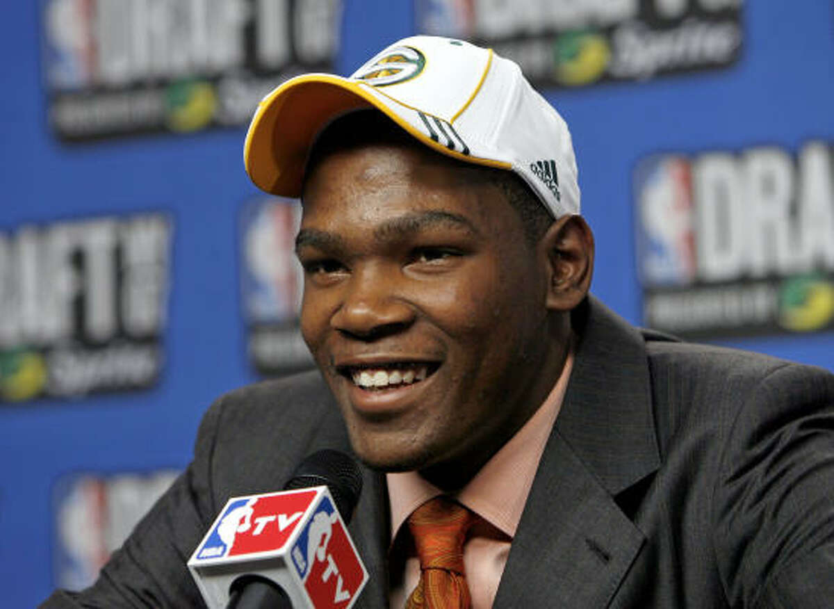 2007: Kevin Durant (University of Texas) Durant, the national player of the year for the Longhorns, went No. 2 overall to the Seattle SuperSonics.