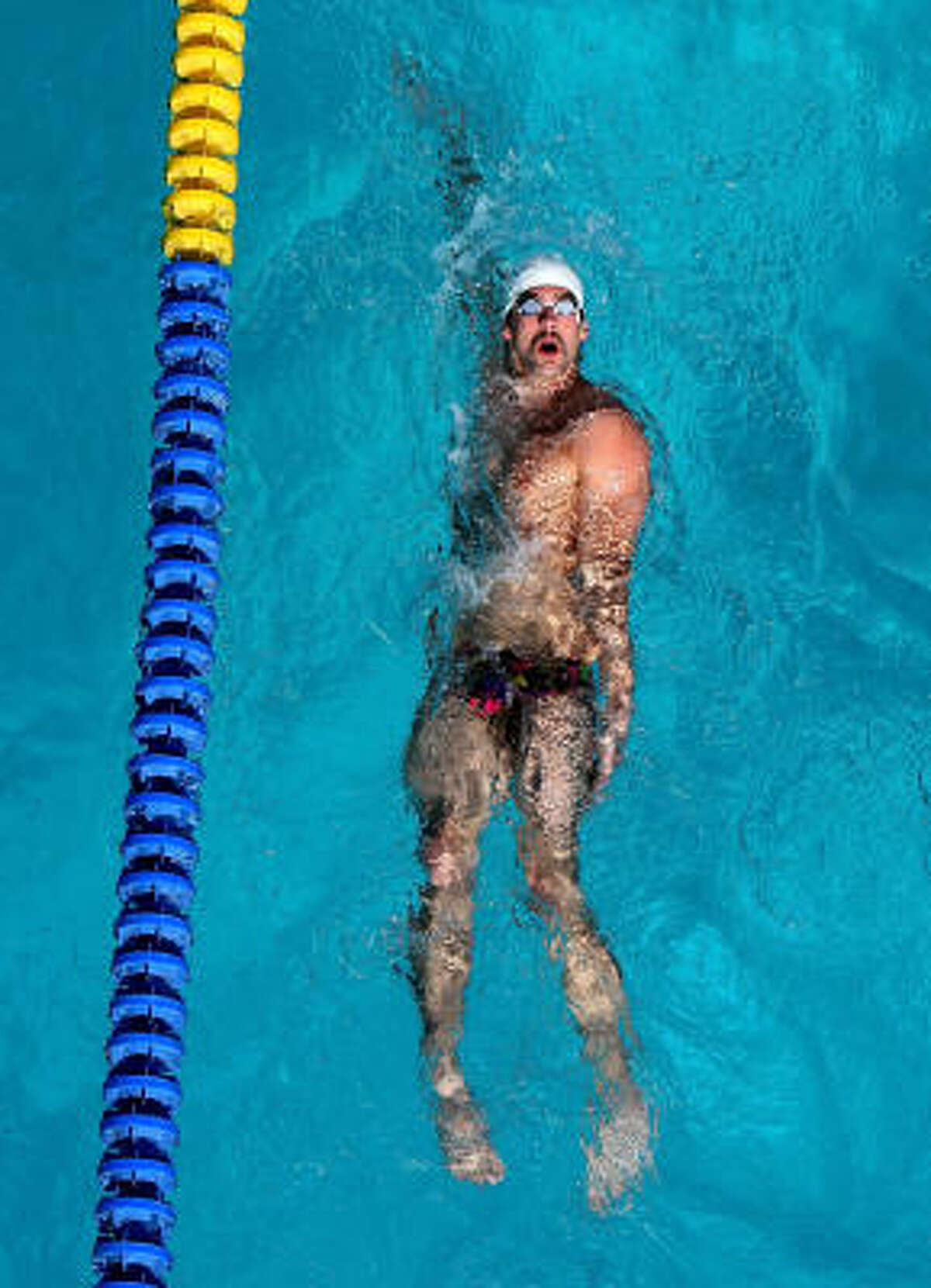 And we already know Michael Phelps looks great in a Speedo.