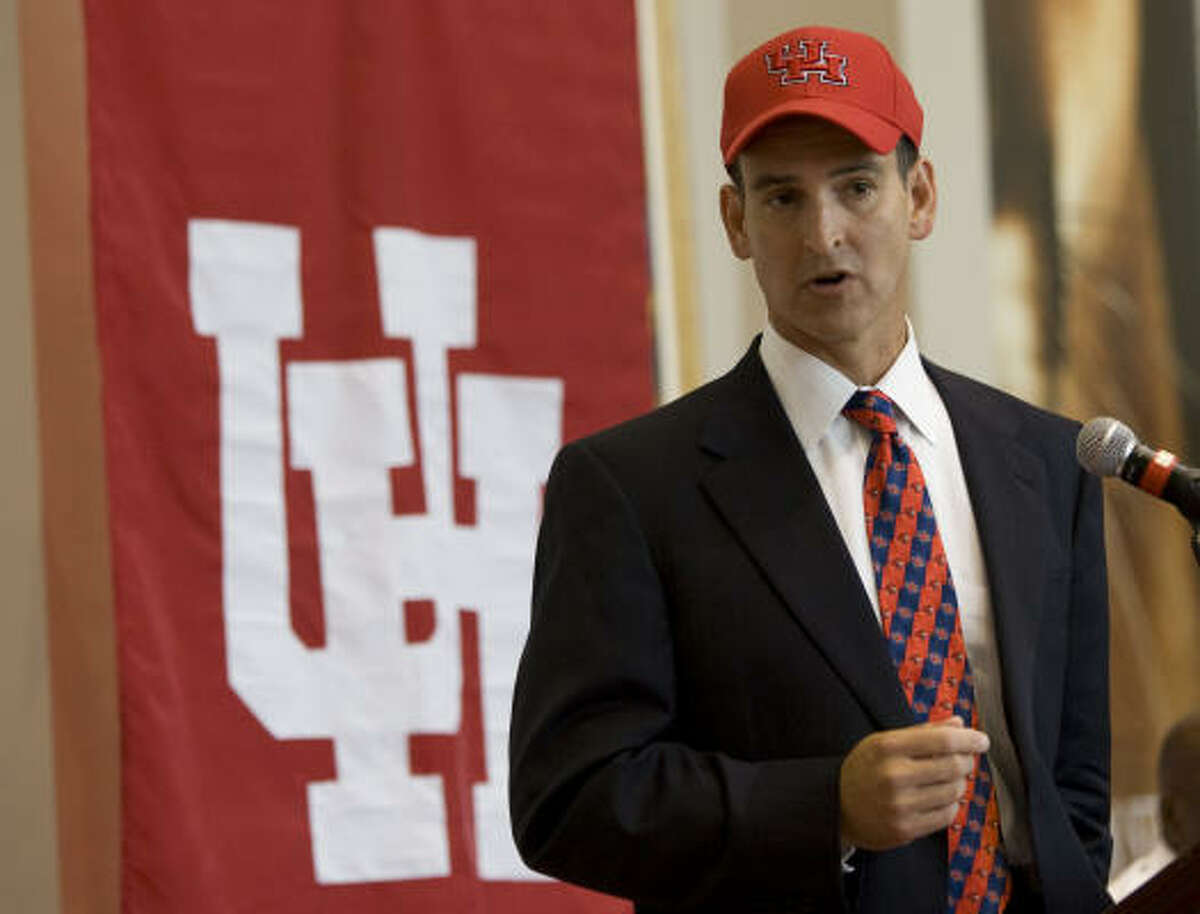 Mack Rhoades makes a statement during his introductory press conference at the University of Houston.