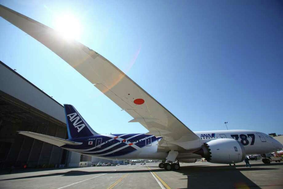 The 787 is parked in front of the paint hangar during the reveal of the first Boeing 787 destined for use by launch customer All Nippon Airways. Photo: JOSHUA TRUJILLO / SEATTLEPI.COM
