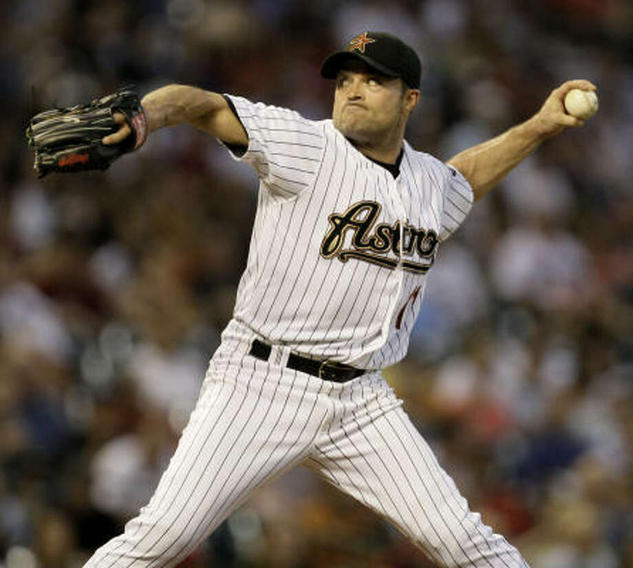 Astros lefthander Mike Hampton delivers a pitch to the Pittsburgh Pirates. Photo: Melissa Phillip, Chronicle