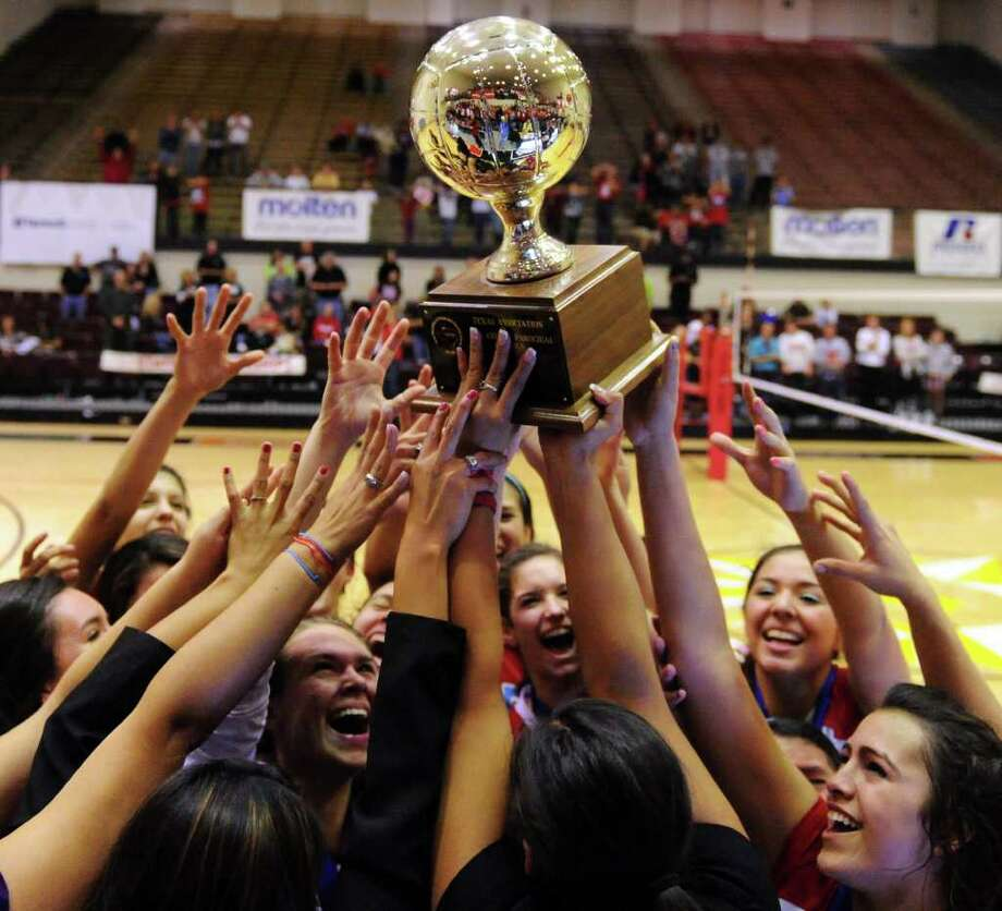 With 10 players returning from 2011, it's not a huge reach to expect that Antonian will become the first TAPPS team in the area to win three state titles in a row. Photo: John Albright/Special To The Express-News / San Antonio Express-News