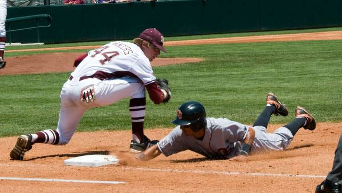 May 29: Oregon State 9, Texas A&M 8 Texas A&M first baseman Luke Anders tries to pick off Oregon State's Joey Wong.