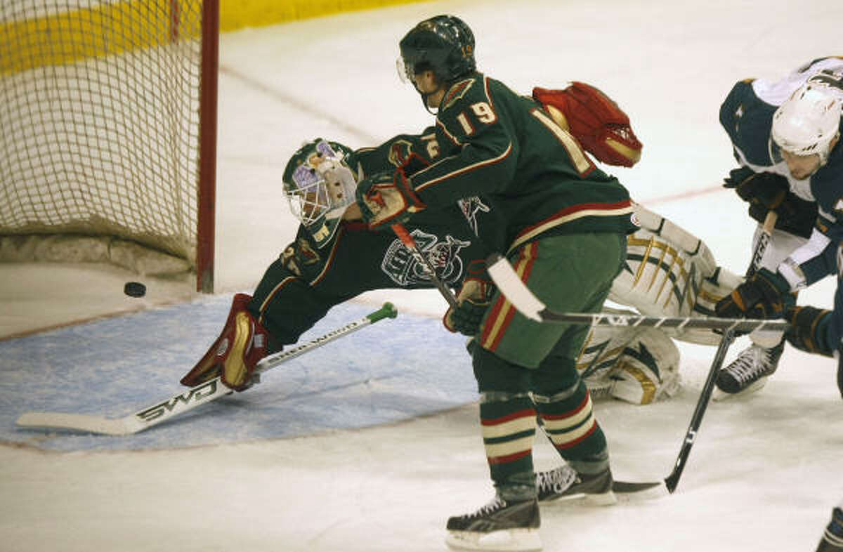 Western Conference finals: Game 2 The Aeros' goalies struggled as the Manitoba Moose won 5-2 in Winnipeg.