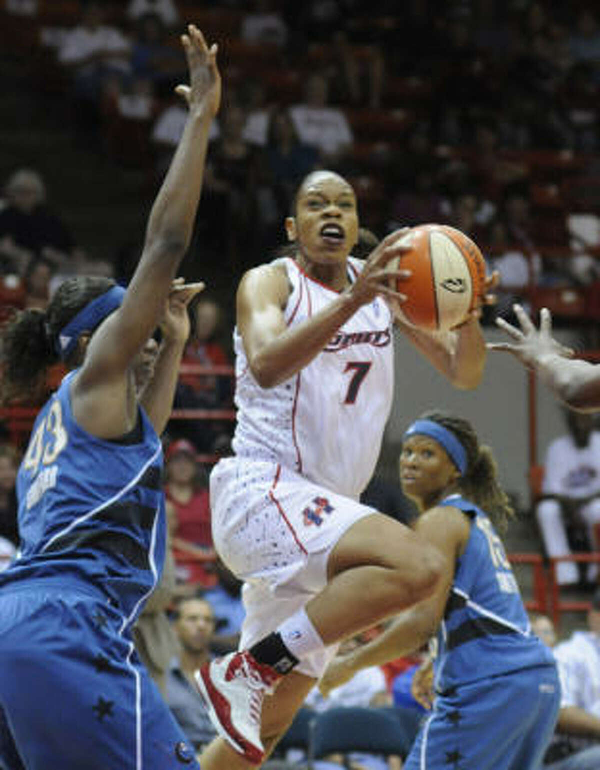 Tina Thompson The forward signed with the Los Angeles Sparks. While she had played 11 years in Houston and keeps a home in the area, Thompson grew up in Los Angeles and played college basketball at USC.