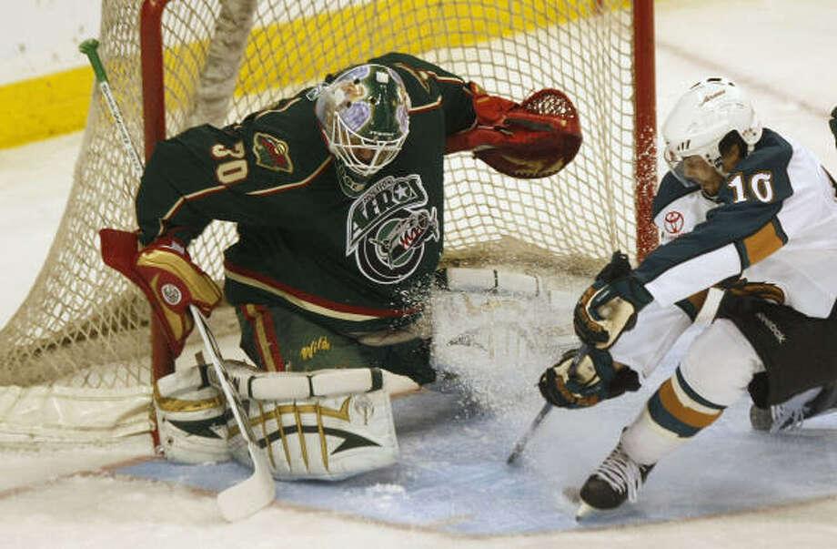 Manitoba Moose's Jason Krog gets denied on a breakaway from Houston Aeros goaltender Anton Khudobin. Photo: JOE BRYKSA, WINNIPEG FREE PRESS
