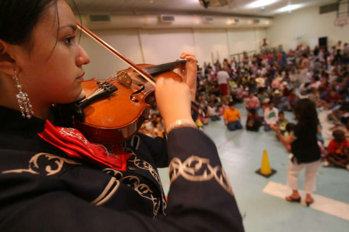 Rebecca Sosa of from Patrick Henry Middle School Mariachi group