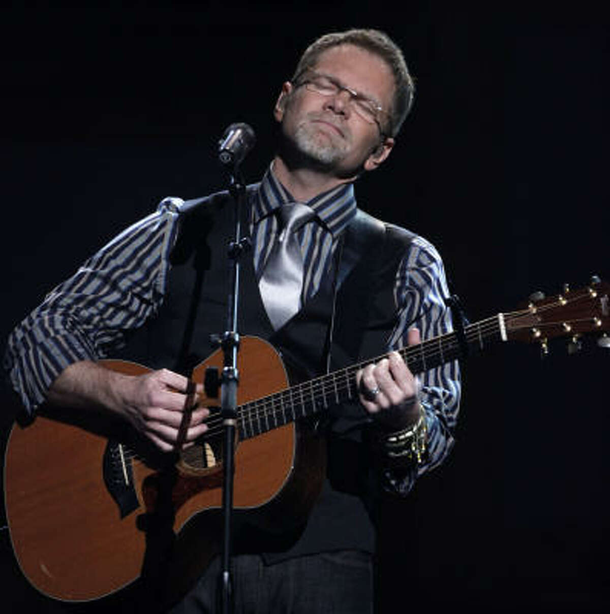Steven Curtis Chapman performs at the Dove Awards in Nashville, Tenn., Thursday, April 23, 2009. Chapman won the award for artist of the year.