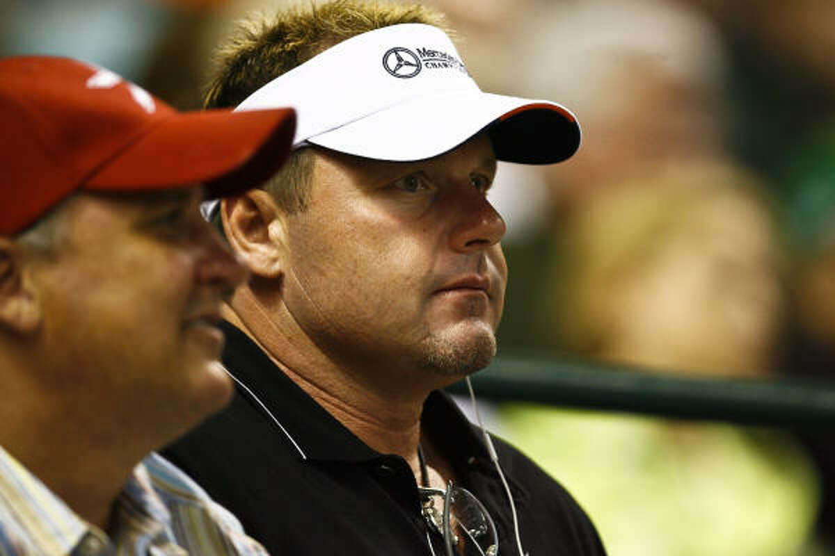 Former Astro Roger Clemens was on hand for Houston's 6-5 win over the Los Angeles Dodgers.