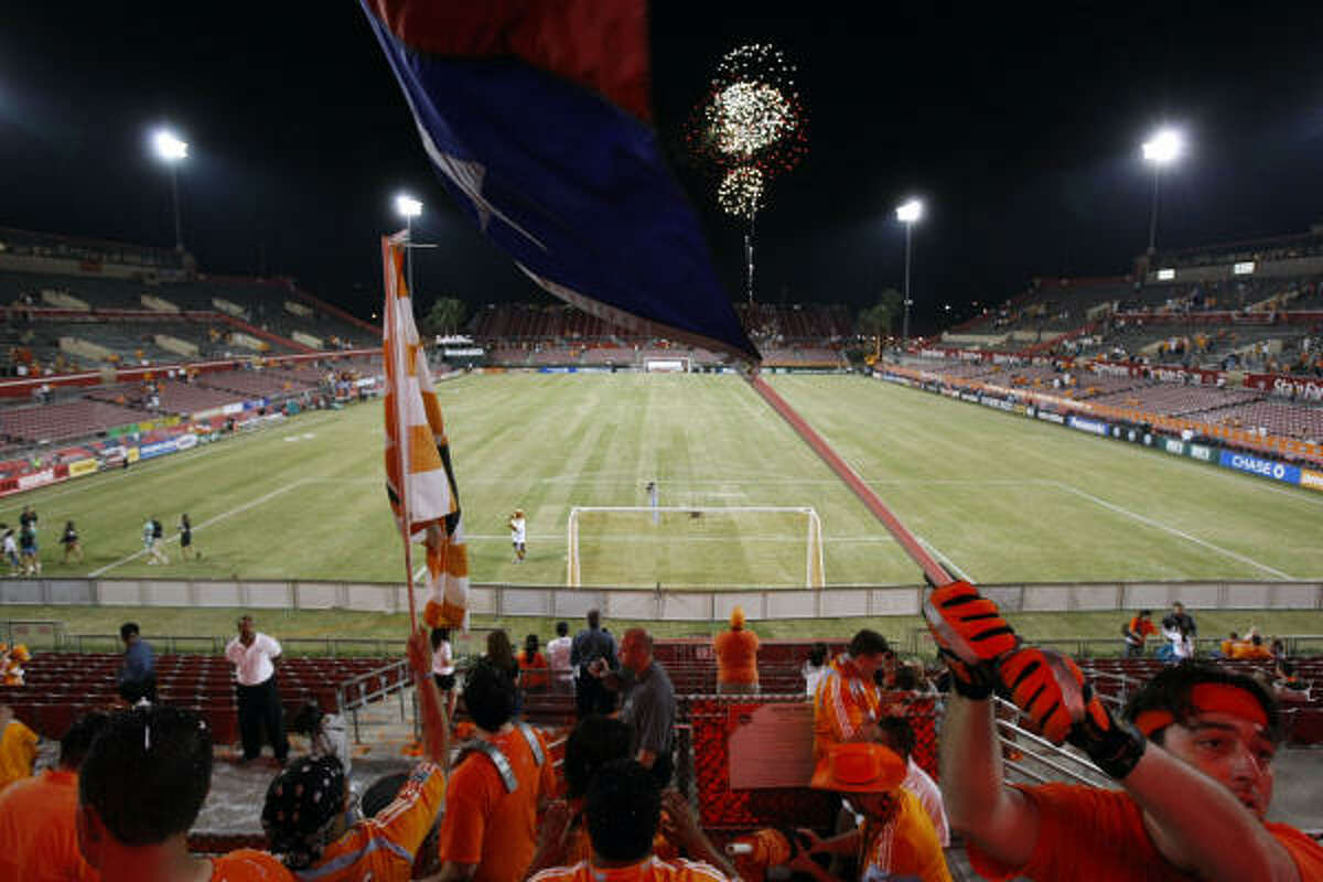 UH leases Robertson Stadium to Dynamo Under Maggard, the University of Houston has leased Robertson Stadium to Major League Soccer's Dynamo during the past four years.