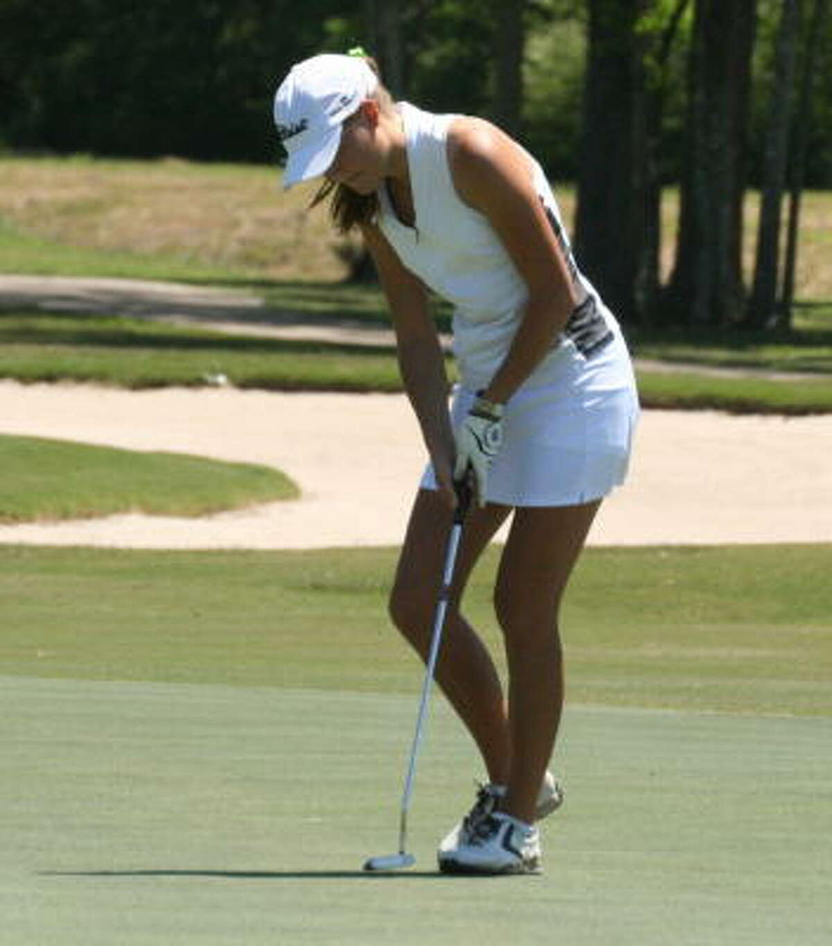 Clear Creek's Sophia Berglund with the putt.
