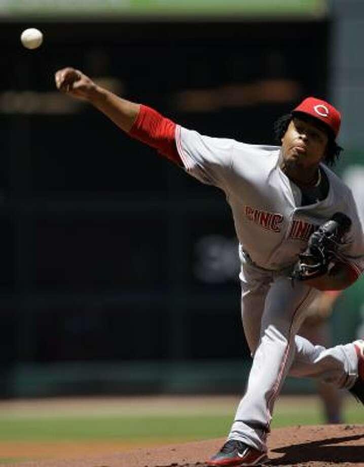 Cincinnati Reds pitcher Edinson Volquez throws against the Houston Astros during the first inning. Photo: David J. Phillip, AP