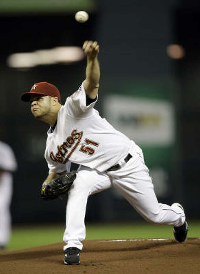 Astros pitcher Wandy Rodriguez made the start against the Reds. Photo: David J. Phillip, AP