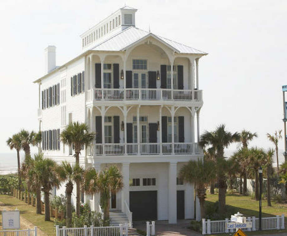 The Idea House was supposed to open to the public last fall, but Hurricane Ike left Galveston unable to accommodate visitors. (The house, built to withstand 130 miles-per-hour wind, was virtually untouched.) Photo: Robert Mihovil