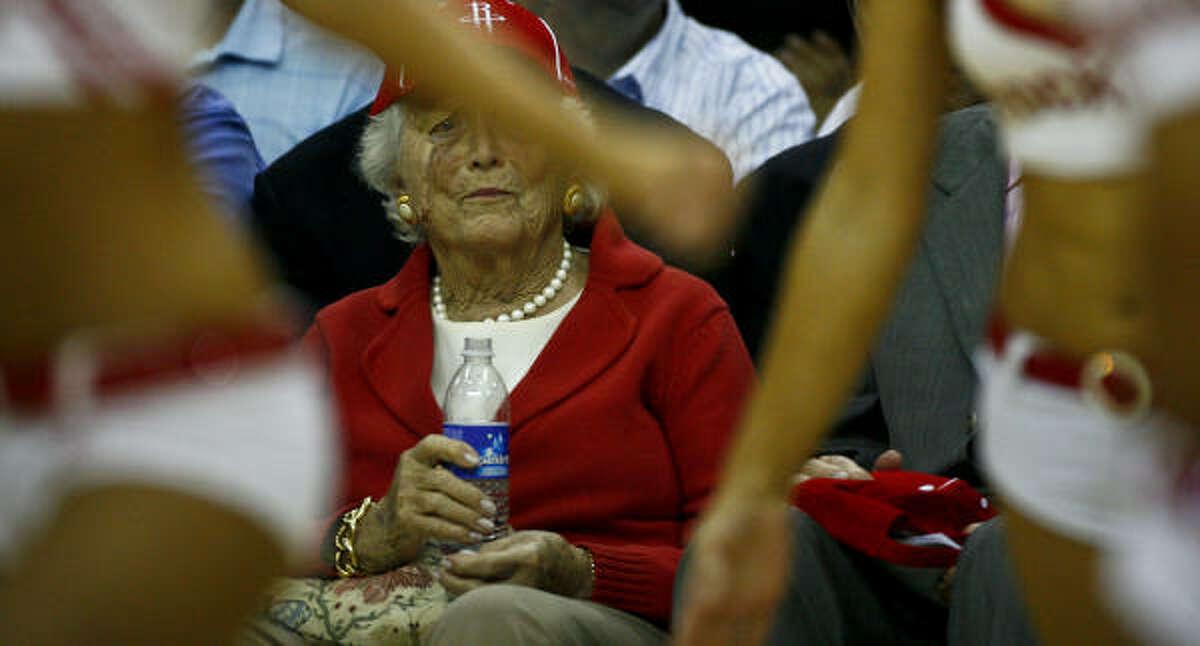 Barbara Bush reacts to the Houston Rockets Power Dancers.
