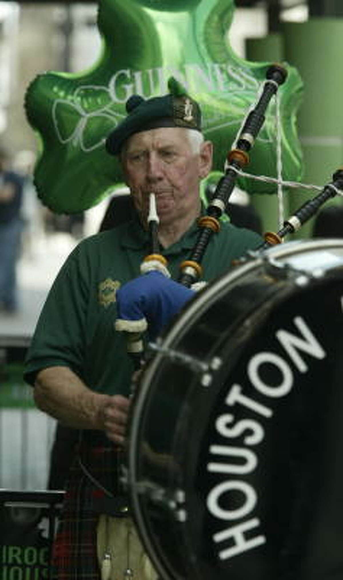 Houston Highlanders Pipe Band: 12:30 April 18