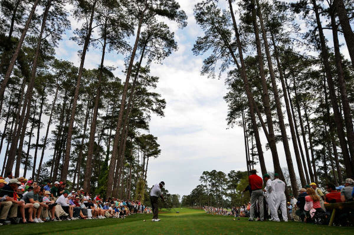 Kenny Perry hits his tee shot on the 17th hole. Perry, 48, is making a run at becoming the oldest majors winner ever.