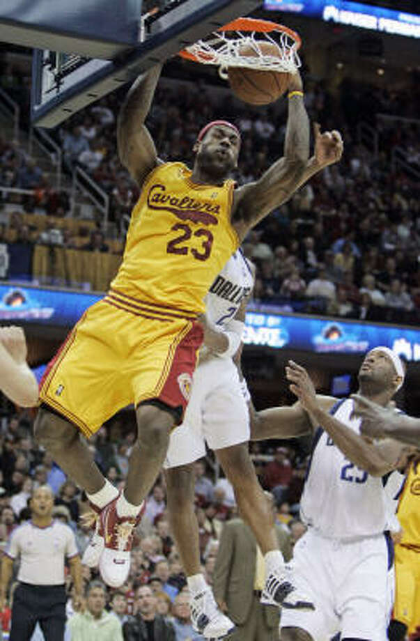 1 - CLEVELAND CAVALIERS - Photo: Tony Dejak, AP