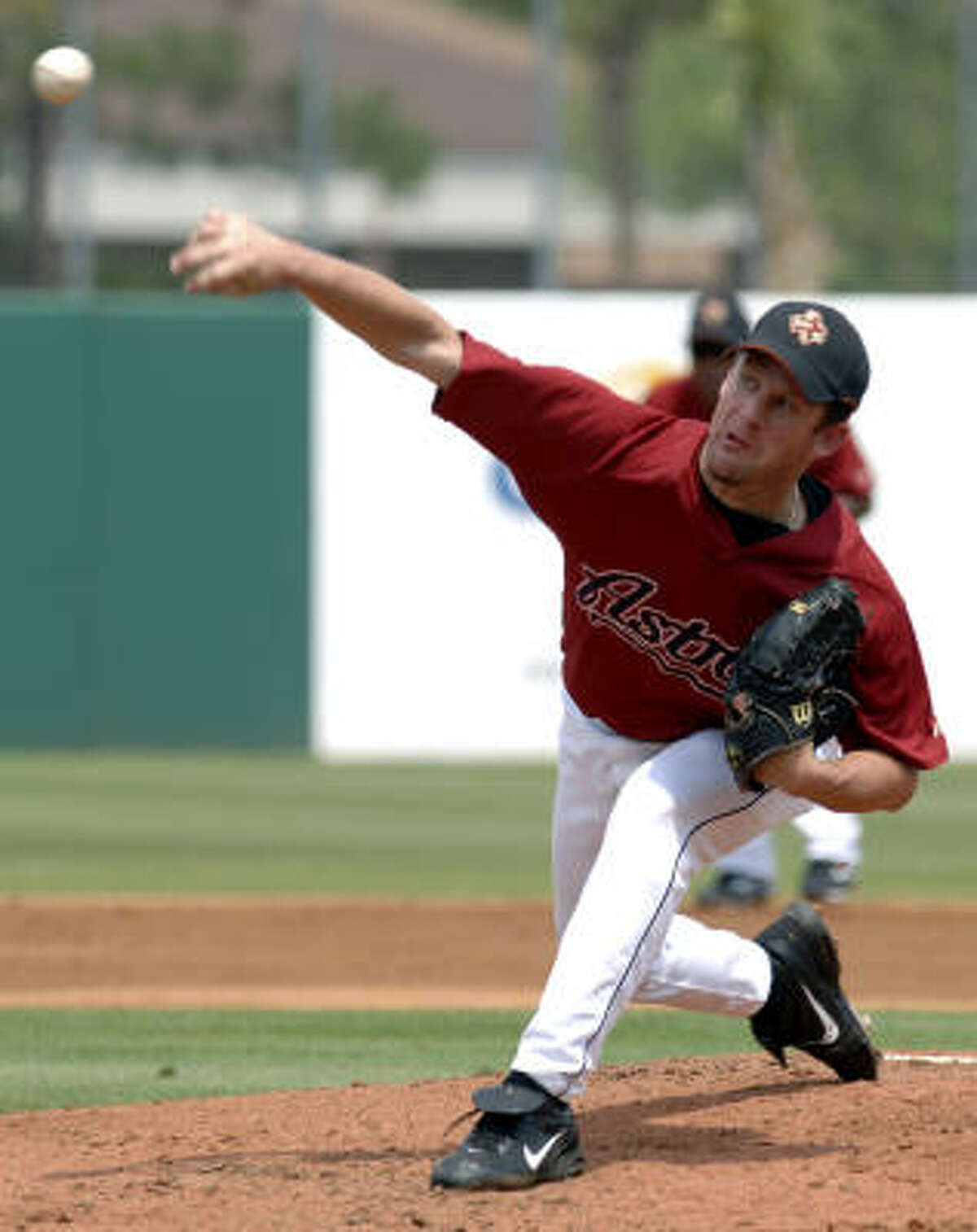 Astros starting pitcher Roy Oswalt throws during the second inning.