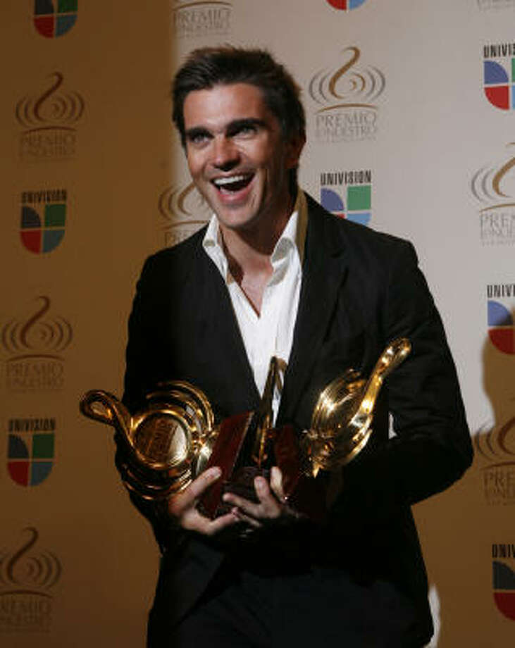 Juanes. Photo: Wilfredo Lee, AP