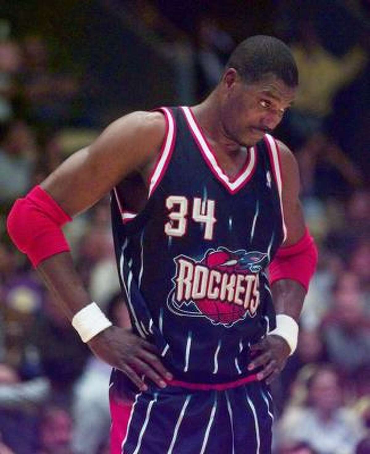 Hakeem Olajuwon , center. With Rockets: 1984-2001. The case for: Olajuwon finished his career with 26,946 points, 13,747 rebounds and 3,830 blocks.