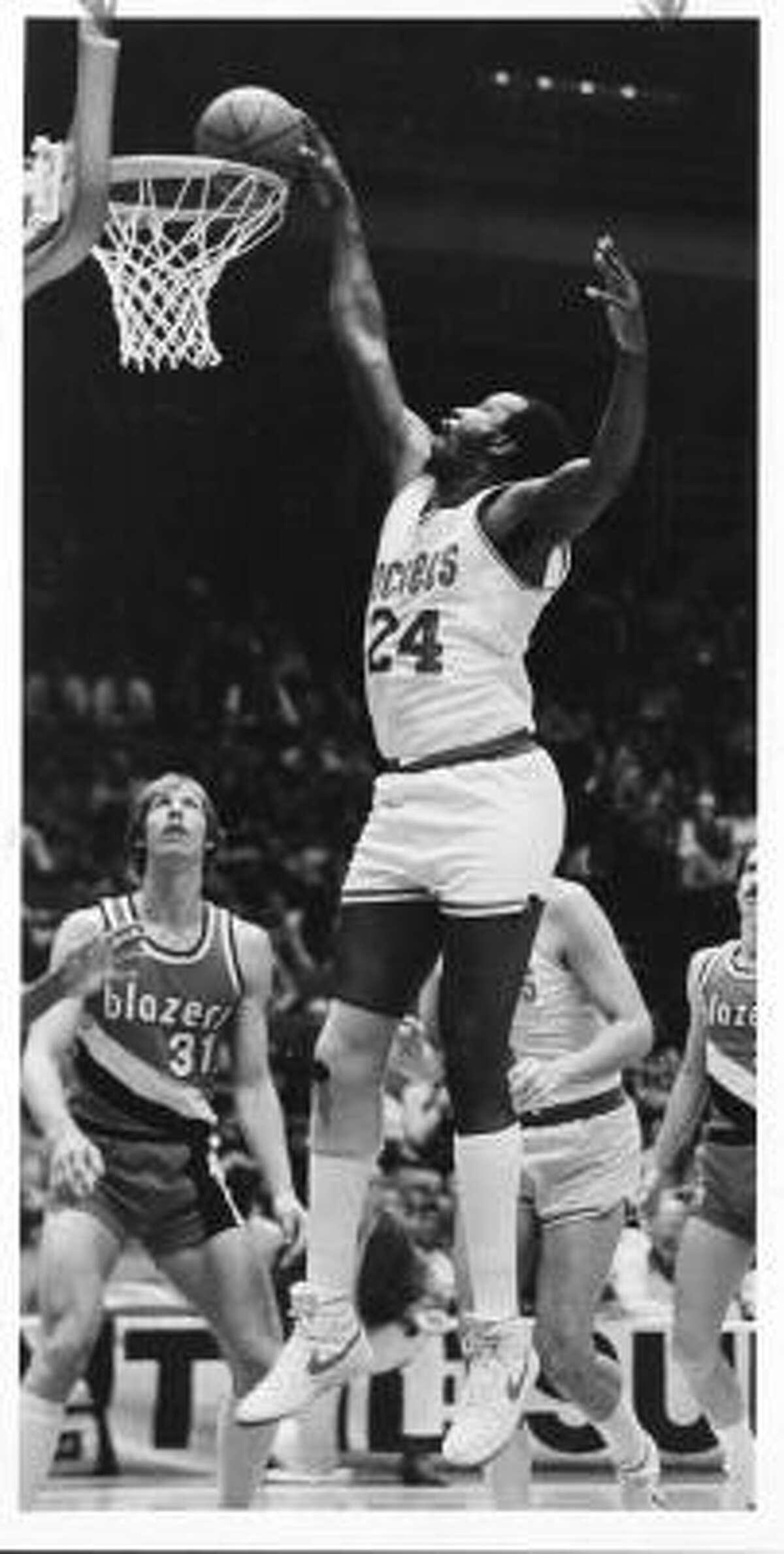Moses Malone, Houston Rockets 01/1982. HOUCHRON CAPTION (01/04/2004): Houston Sports Legend, Moses Malone.