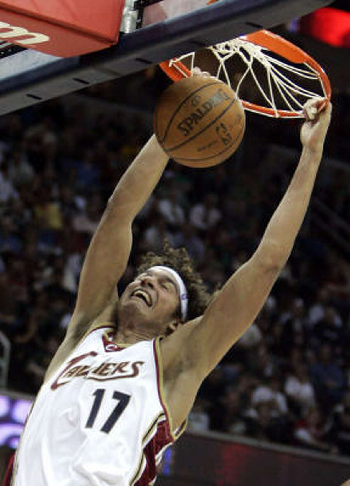 Cleveland Cavaliers' Anderson Varejao dunks against the Orlando Magic.