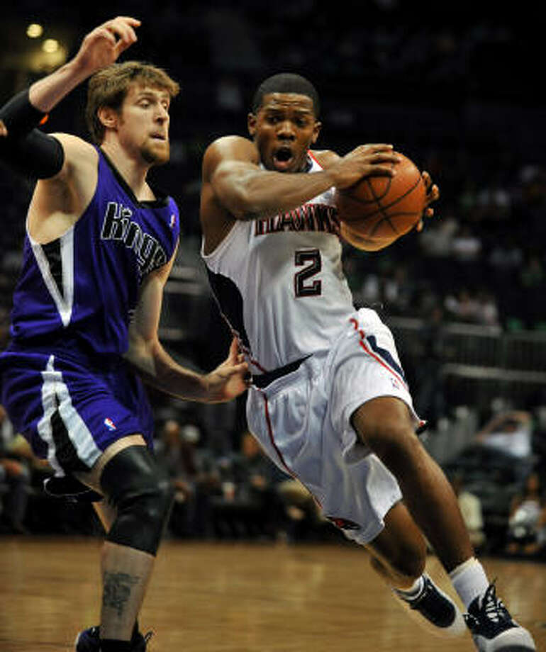 Joe Johnson (2) is expected to sign with the Rockets and be available for Wednesday's game against the Kings. Photo: Gregory Smith, AP