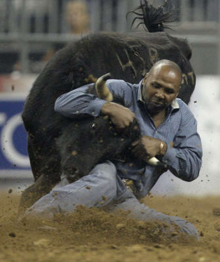Darrell Petry, steer wrestling Photo: Melissa Phillip, Chronicle
