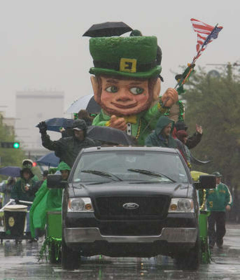 The 50th annual Houston St. Patrick's Day Parade rolls through downtown on Saturday. Photo: James Nielsen, Chronicle